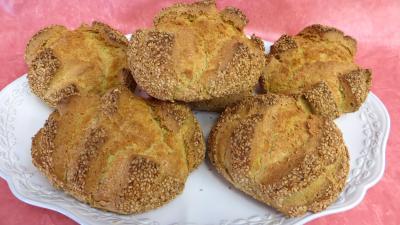 Plat de pains aux épices