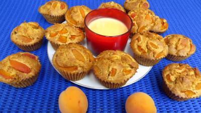 Cuisson au four : Assiette de muffins aux abricots