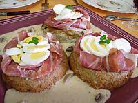 Gâteau de Pâques aux champignons et au jambon