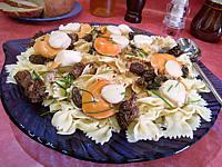 bouillon : Assiette de coquilles saint-Jacques aux farfalle