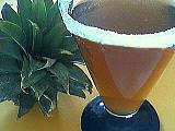 Image : Verre de cocktail à l'ananas