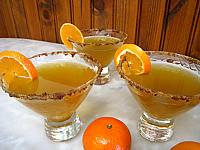 Image : Verres de cocktail au thé, Bourbon et à la menthe