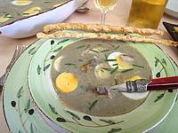 Image : Assiette de velouté de fèves aux harengs