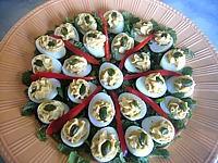 Image : Assiette d'oeufs de caille au rocamadour