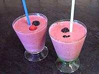 Image : Verre de yaourts glacés aux fruits rouges