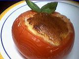 soufflé : Assiette de tomates soufflées au fromage