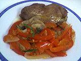 Image : Assiette d'escalopes de dinde aux poivrons