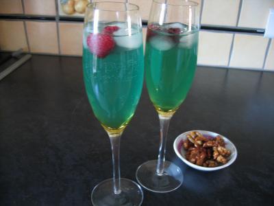 curaçao : Verres de cocktail valentin au champagne