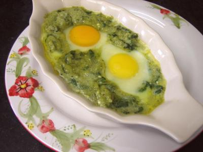 Cuisson au bain-marie : Cassolette d'oeufs aux restes de purée de brocolis