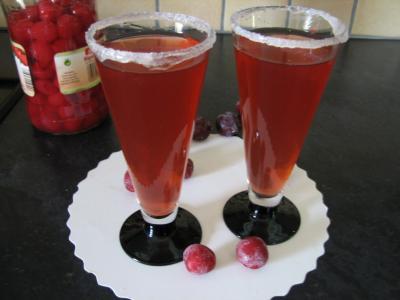 Image : Verres de cocktail au Bourbon et aux cerises