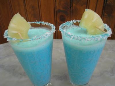 Cocktail crème de coco et curaçao
