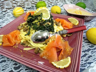coriandre graines : Plat de tagliatelles au citron et à la truite fumée