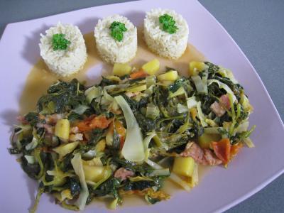 Cuisine mauricienne : Assiette de brèdes cresson et mangue à la mauricienne