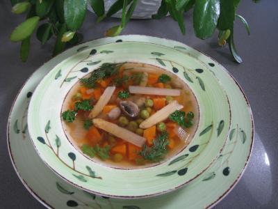 Image : Assiette de minestrone aux asperges