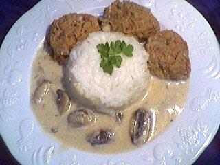 huile végétale : Assiette de boulettes de boeuf au riz