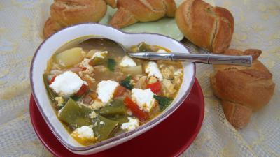 Cuisine corse : Soupière de soupe à la brousse façon Corse