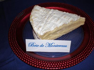 Photo : Brie de montereau coupé