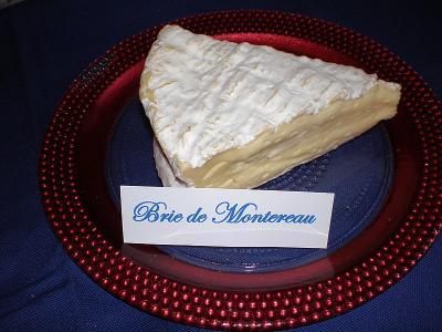 Photo : Brie de montereau coupé