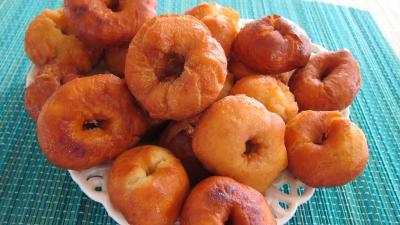 Image : Assiette de yoyos beignets de Pourim