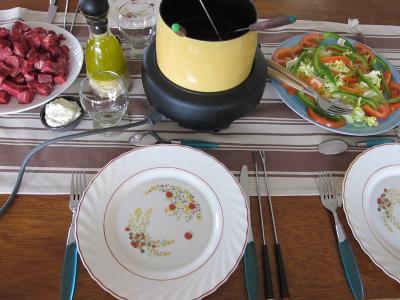 Image : Préparation de la table pour les invités