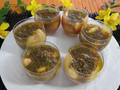 Recette Verrines de pêches, bananes et pistaches au rhum
