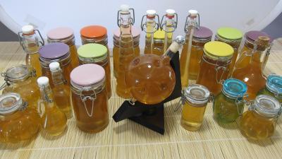 boisson froide : Les différents bocaux pour la liqueur de mirabelles au gin