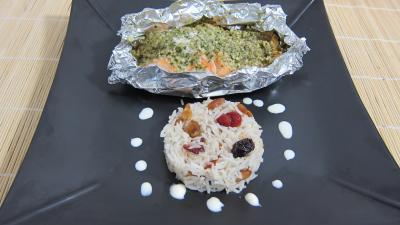saumon : Assiette de papillotes de pavés de saumon et son riz aux fruits secs