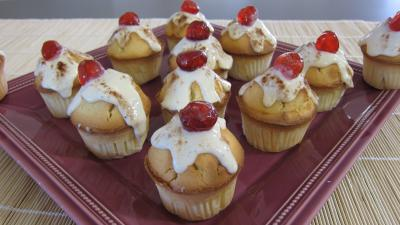 chocolat poudre : Assiette de cupcakes à la brousse